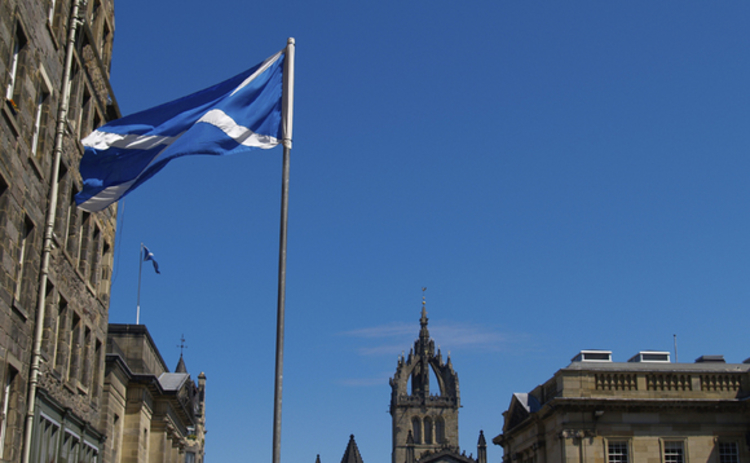 scotland-flag-and-buildings-web
